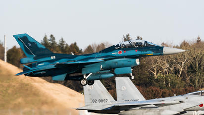 33-8119 - Japan - Air Self Defence Force Mitsubishi F-2 A/B