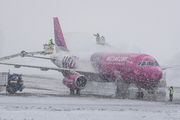 HA-LPT - Wizz Air - Airport Overview - Runway, Taxiway aircraft
