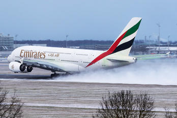 A6-EEC - Emirates Airlines Airbus A380