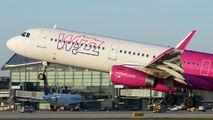 Wizz Air HA-LXE image