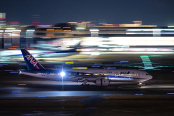 JA717A - ANA - All Nippon Airways Boeing 777-200