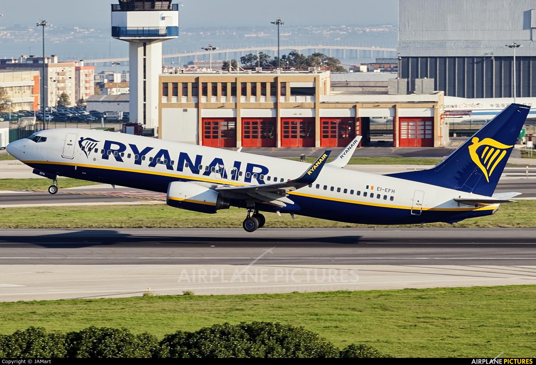 Ryanair EI-EFH aircraft at Lisbon
