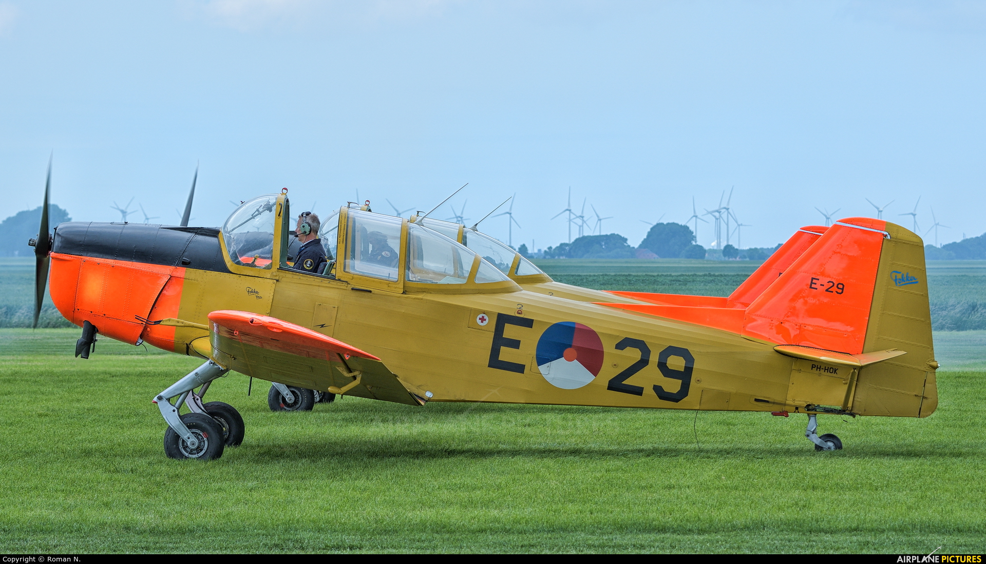 Private PH-HOK aircraft at Oostwold