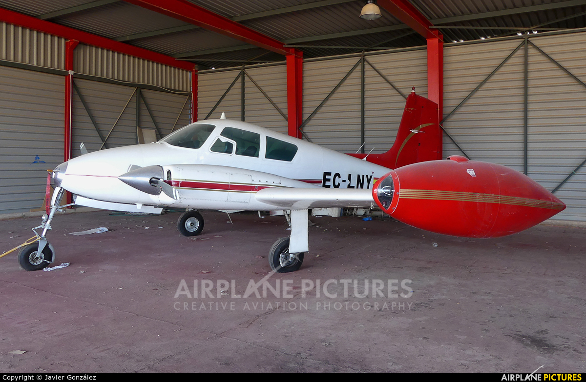 Private EC-LNY aircraft at Aeródromo de Beas de Segura