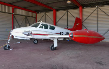 EC-LNY - Private Cessna 310