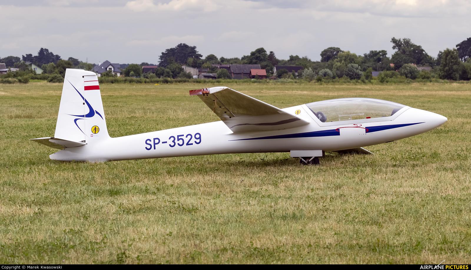 Aviomet Display Team SP-3529 aircraft at Piotrków Trybunalski