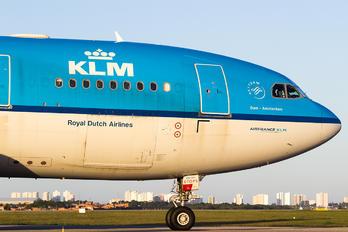 PH-AOA - KLM Airbus A330-200
