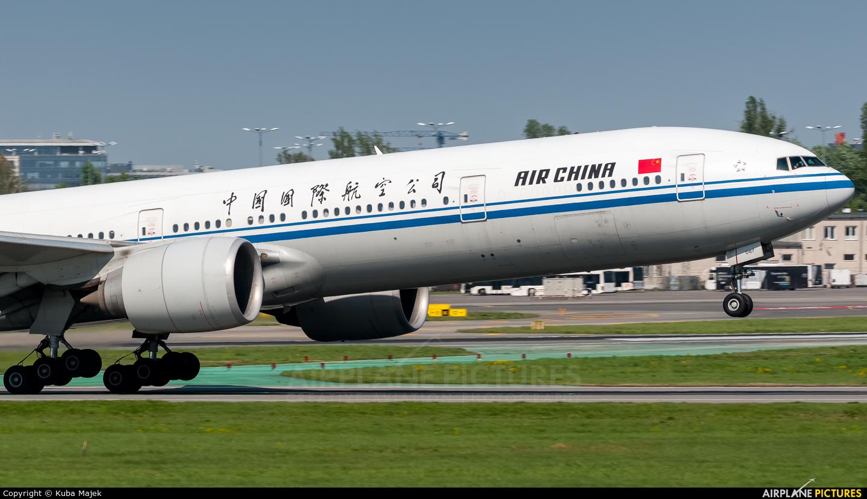 Air China B-2087 aircraft at Warsaw - Frederic Chopin