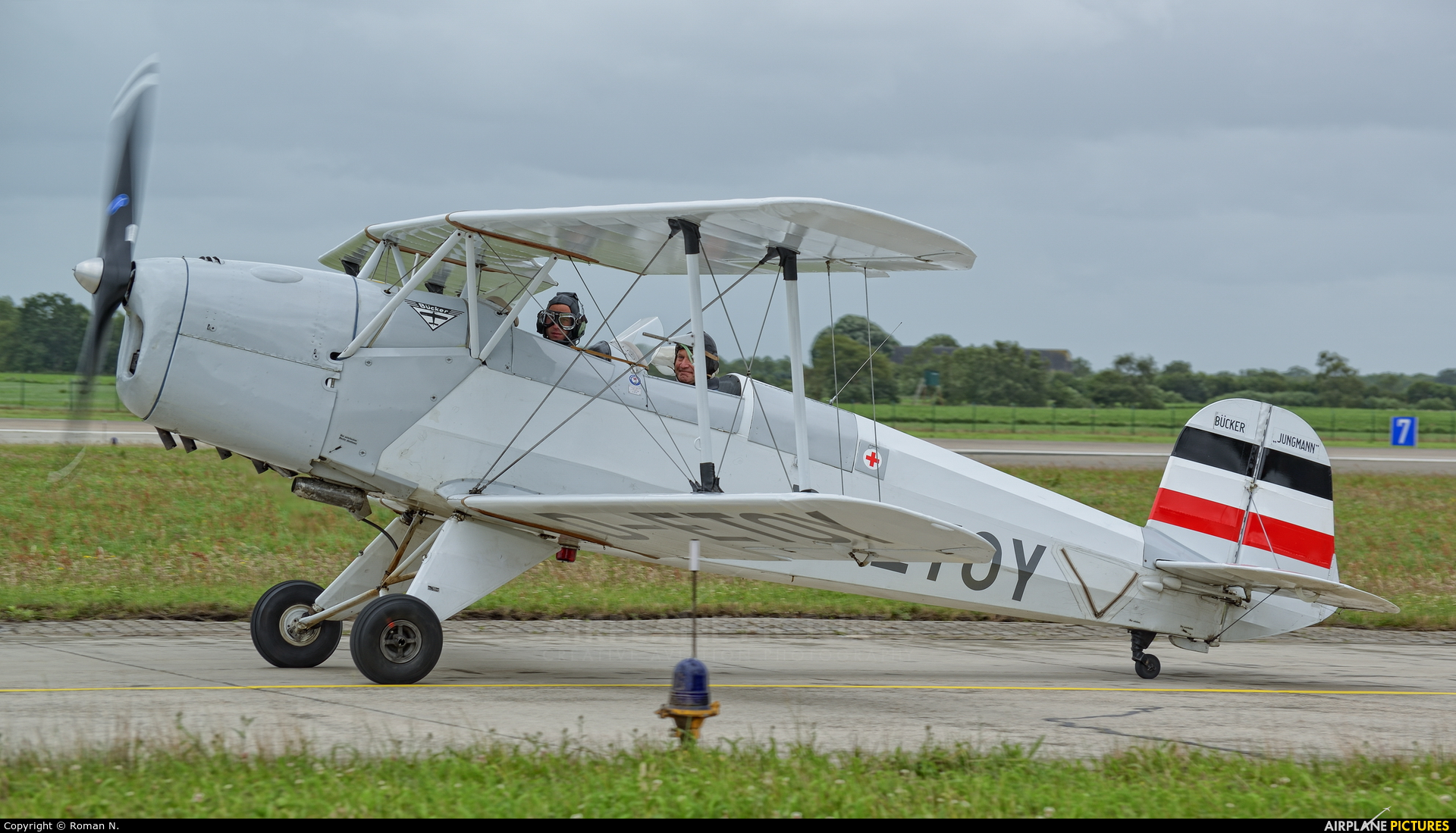 Private D-ETOY aircraft at Wittmundhafen