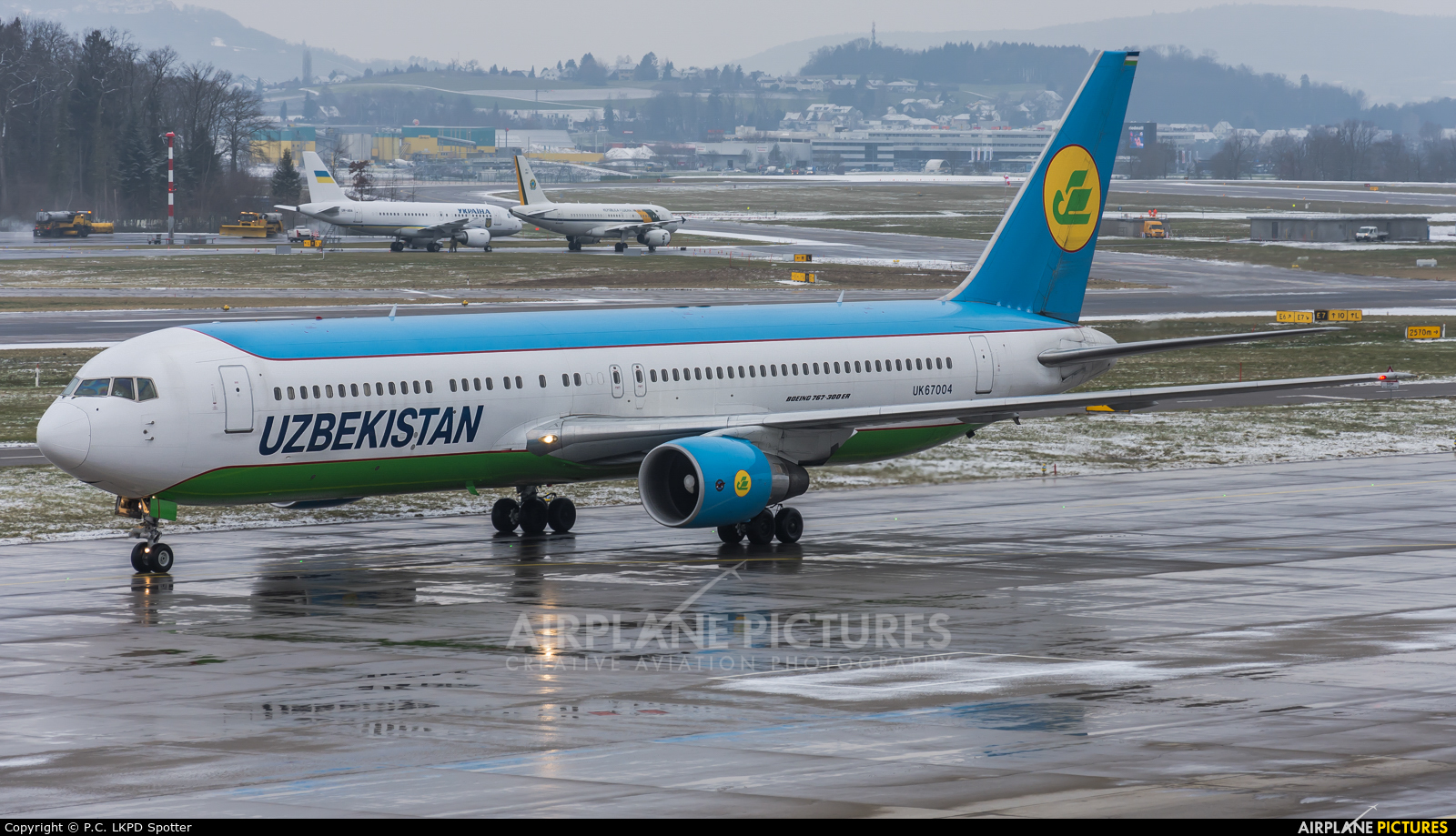 Uzbekistan Airways UK67004 aircraft at Zurich