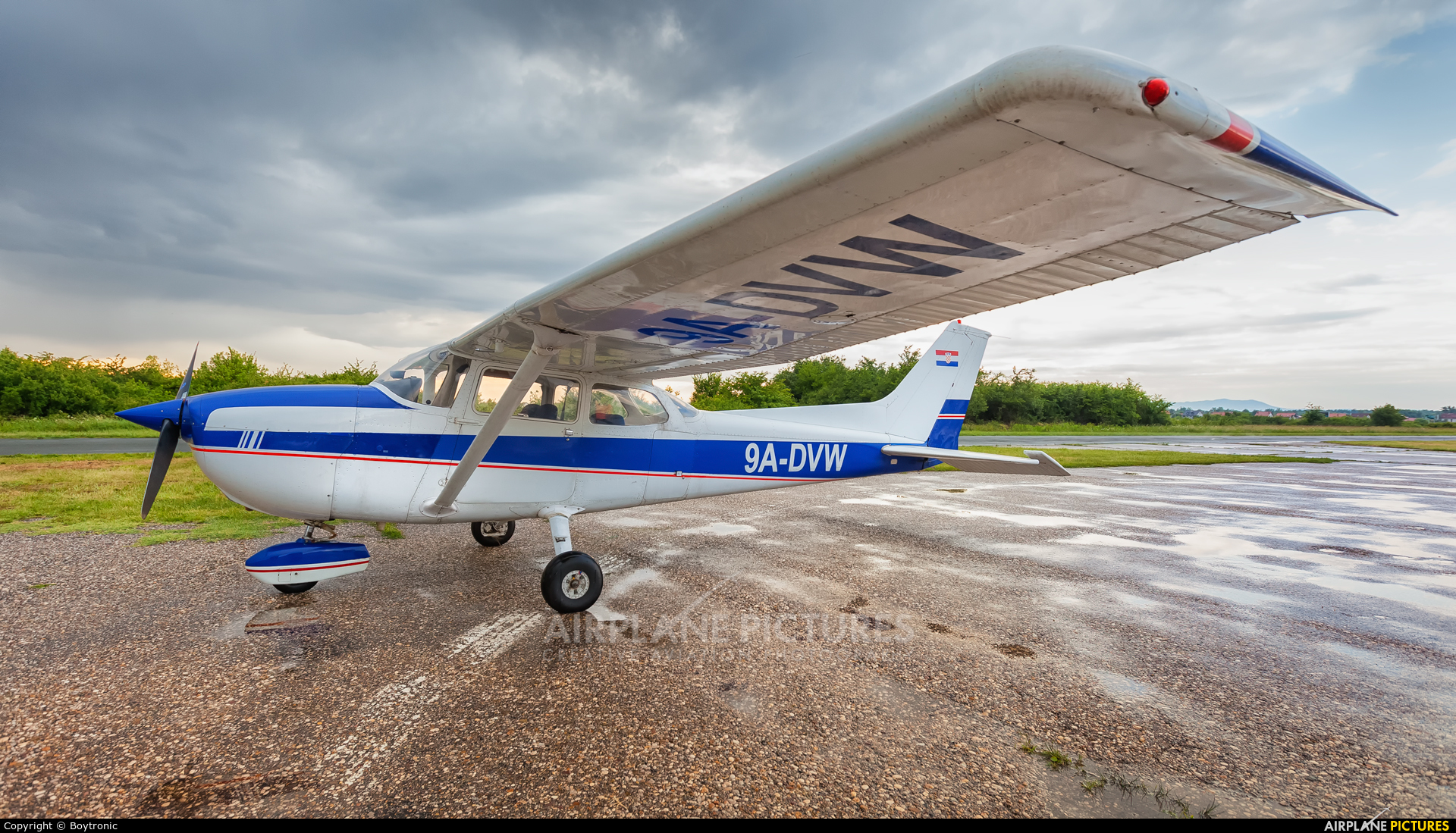 Private 9A-DVW aircraft at Velika Gorica/ZTC