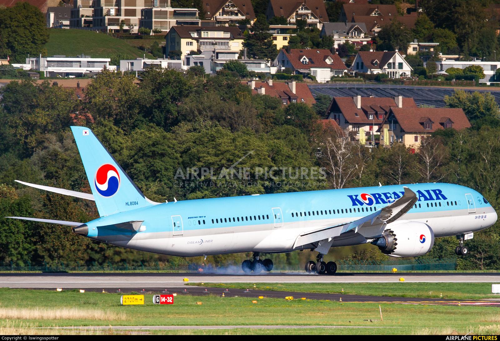 Korean Air HL8084 aircraft at Zurich