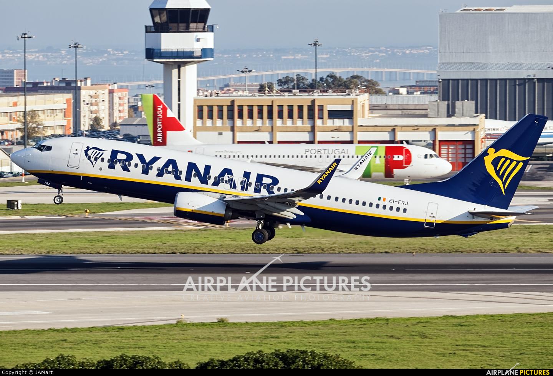 Ryanair EI-FRJ aircraft at Lisbon