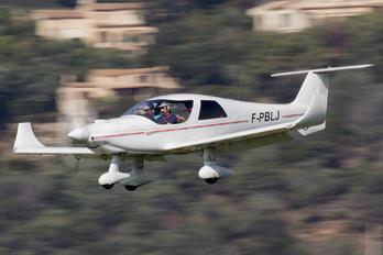 F-PBLJ - Private Dyn Aero MCR4s