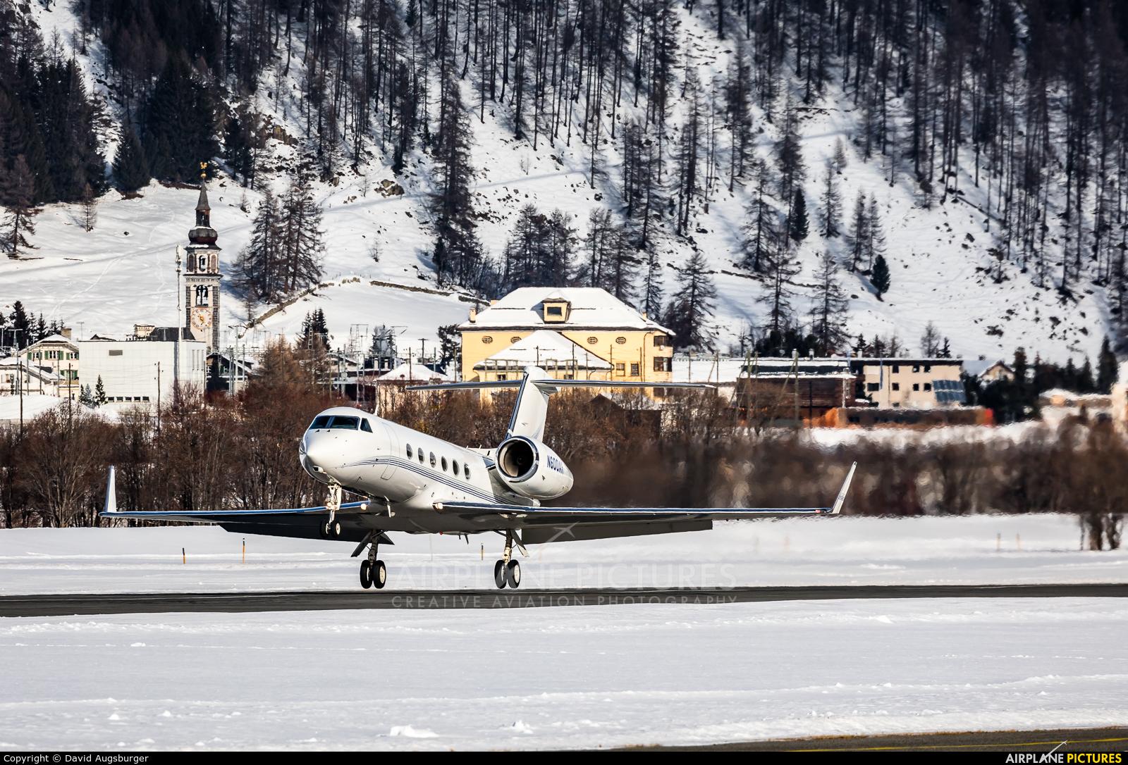 Private N600AR aircraft at Samedan - Engadin
