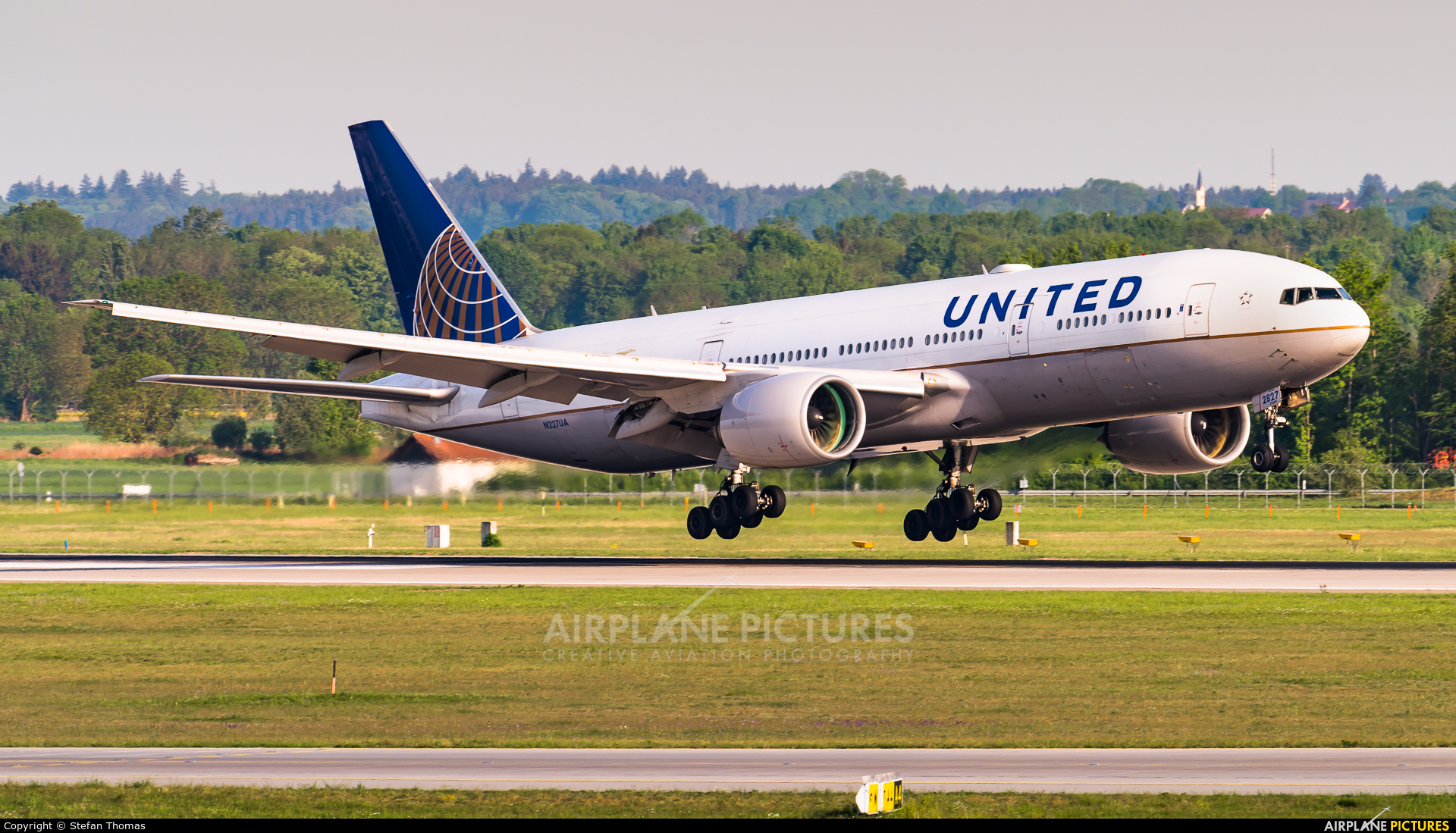 United Airlines N227UA aircraft at Munich