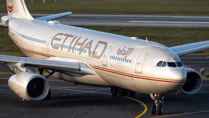 A6-EYS - Etihad Airways Airbus A330-200
