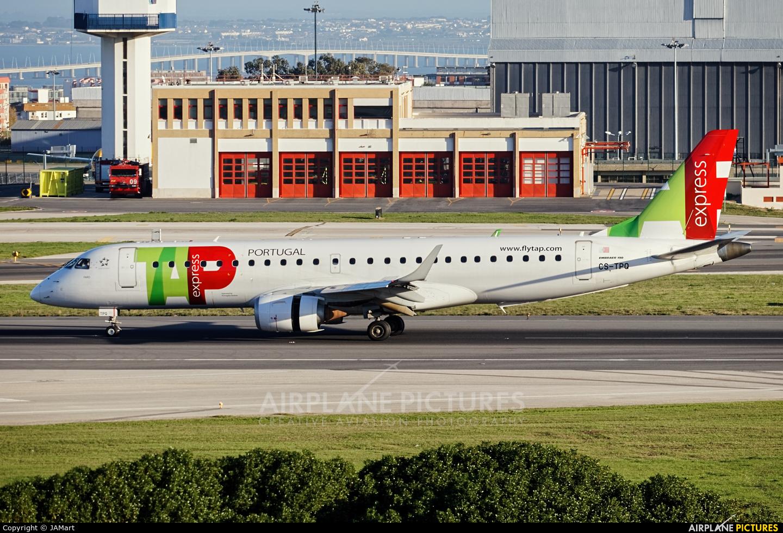 TAP Express CS-TPQ aircraft at Lisbon
