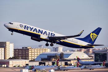 EI-DLW - Ryanair Boeing 737-800
