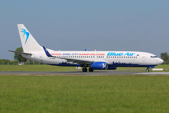 YR-BMH - Blue Air Boeing 737-8K2
