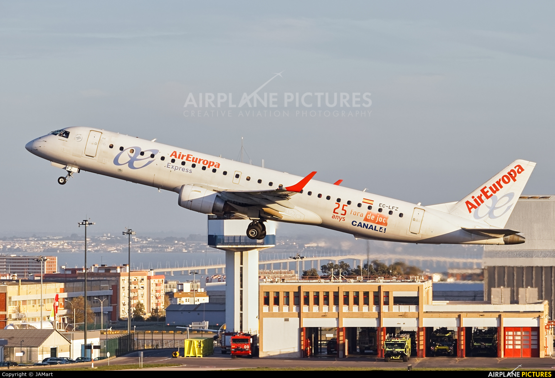 Air Europa EC-LFZ aircraft at Lisbon