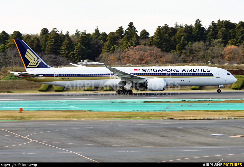 Singapore Airlines 9V-SCA aircraft at Tokyo - Narita Intl