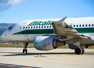 EI-DTD - Alitalia Airbus A320