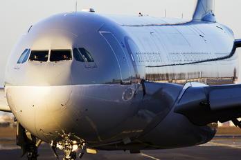 A7-AEC - Qatar Airways Airbus A330-300