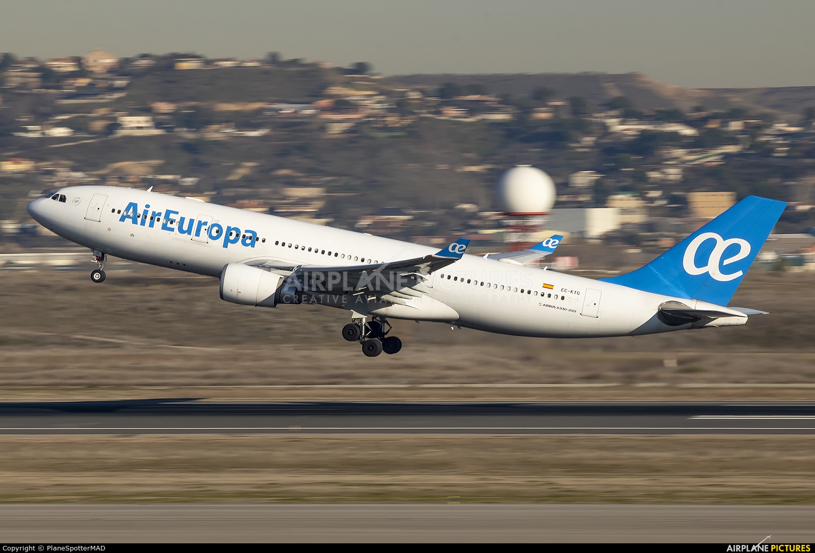 Air Europa EC-KTG aircraft at Madrid - Barajas