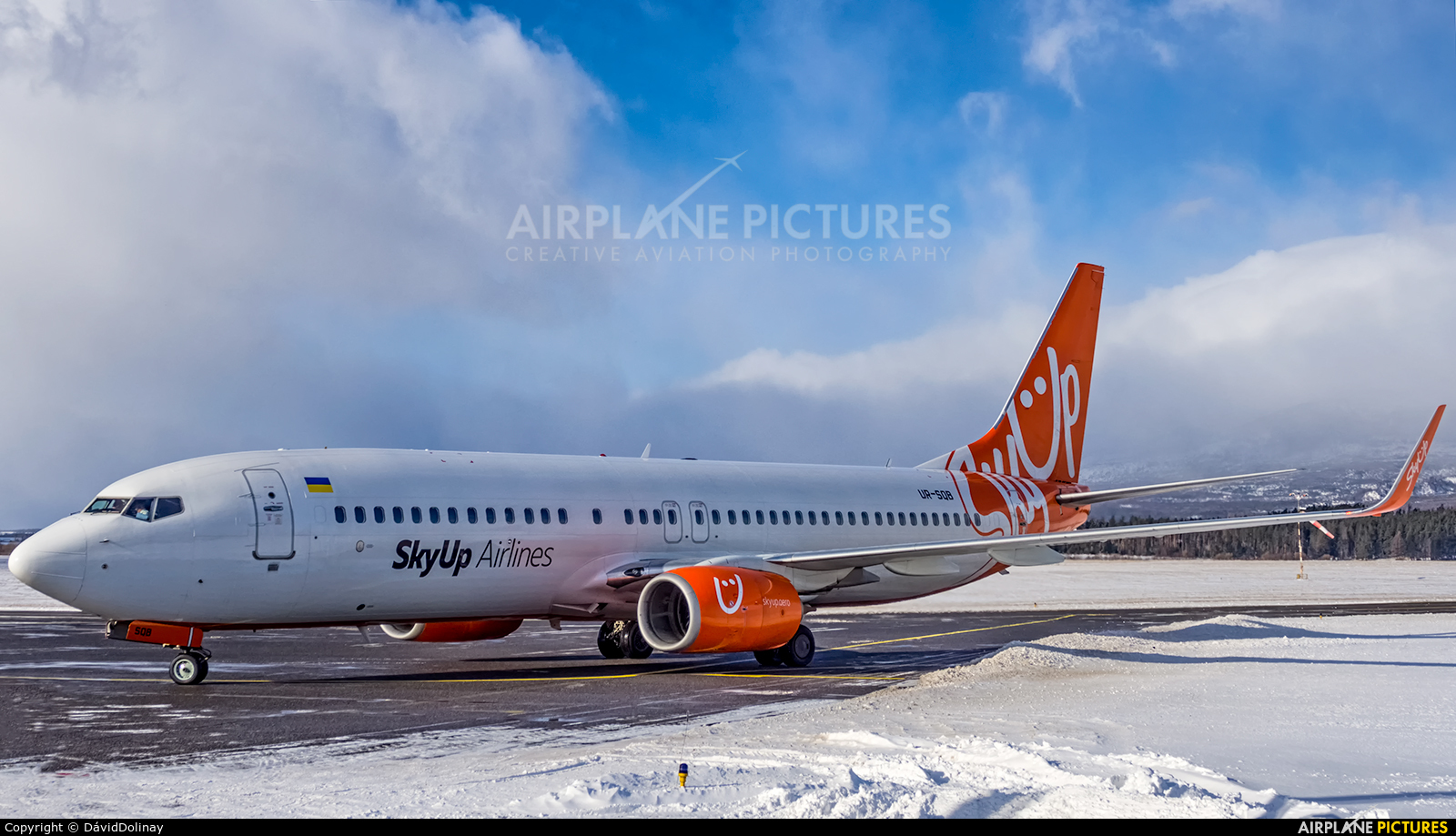 SkyUp Airlines UR-SQB aircraft at Poprad - Tatry