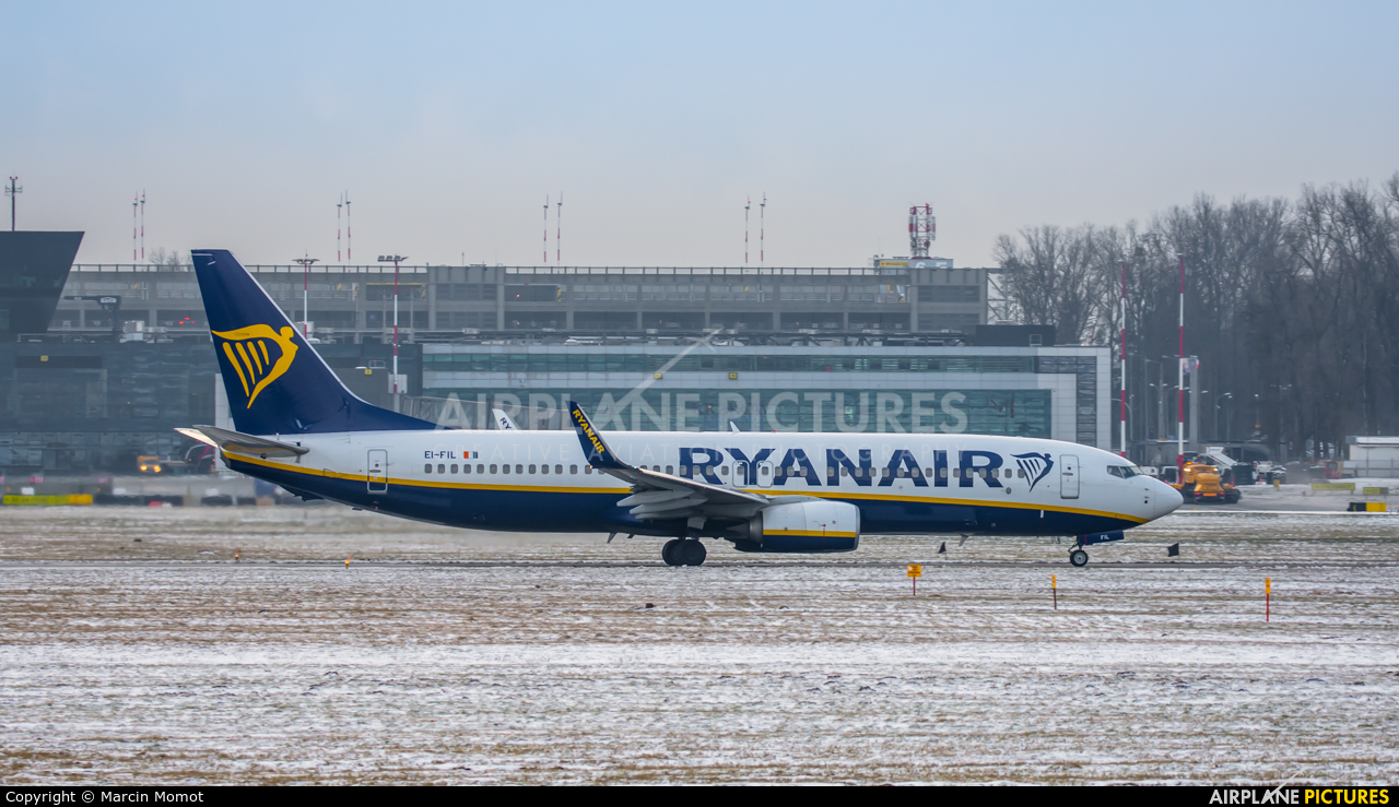 Ryanair EI-FIL aircraft at Kraków - John Paul II Intl