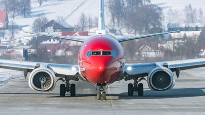 EI-FJJ - Norwegian Air Shuttle Boeing 737-800