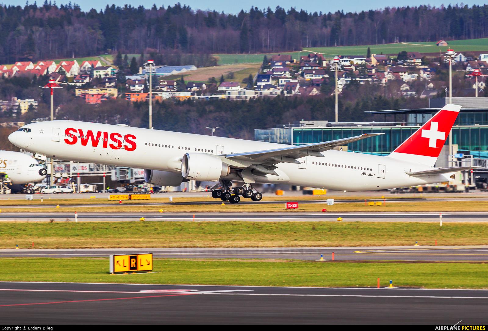 Swiss HB-JNH aircraft at Zurich