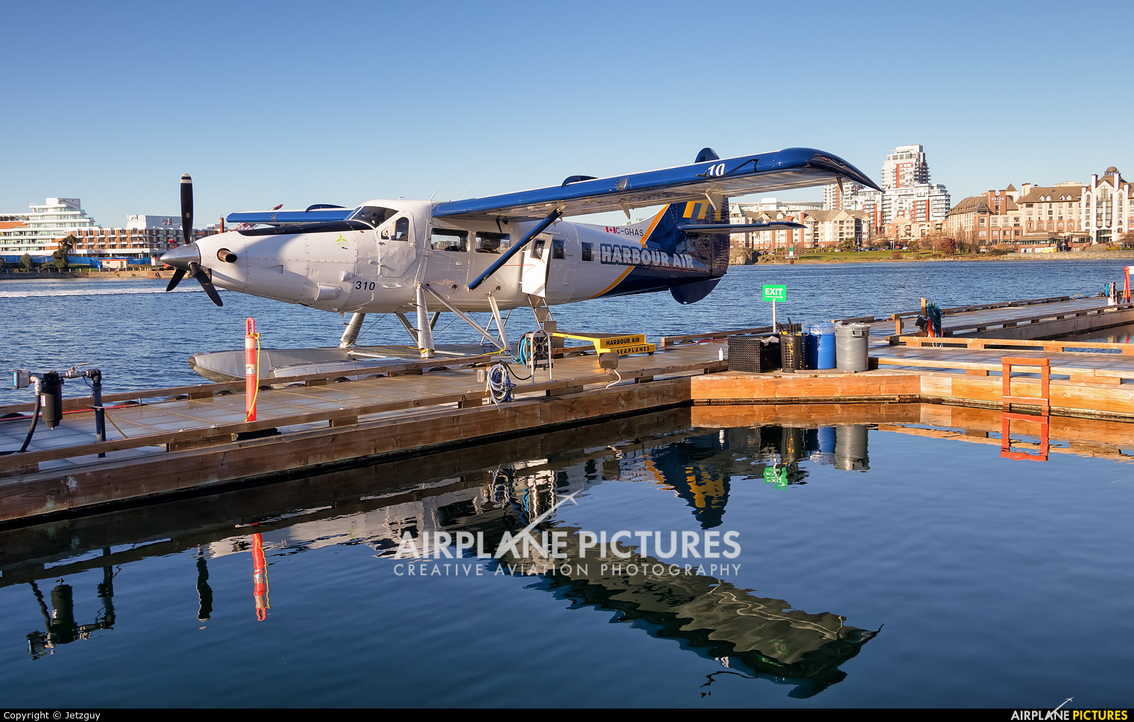 Harbour Air C-GHAS aircraft at Victoria Harbour, BC