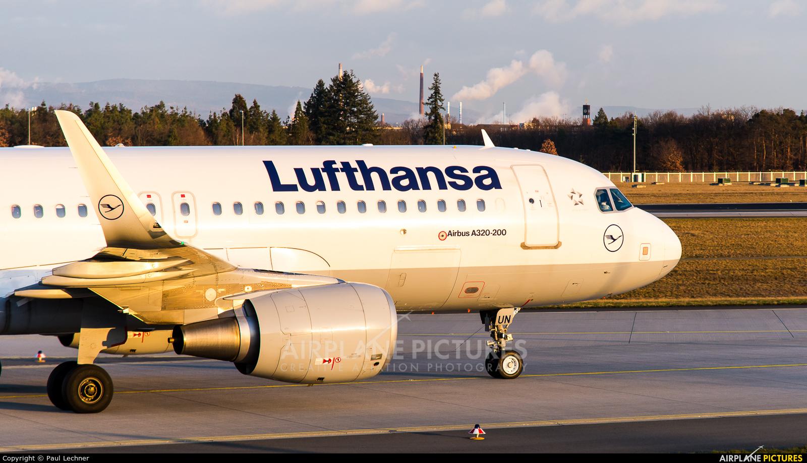 Lufthansa D-AIUN aircraft at Frankfurt
