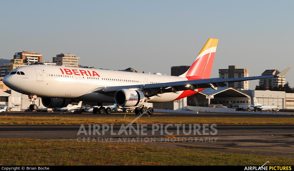 Iberia EC-MJT aircraft at Guatemala - La Aurora