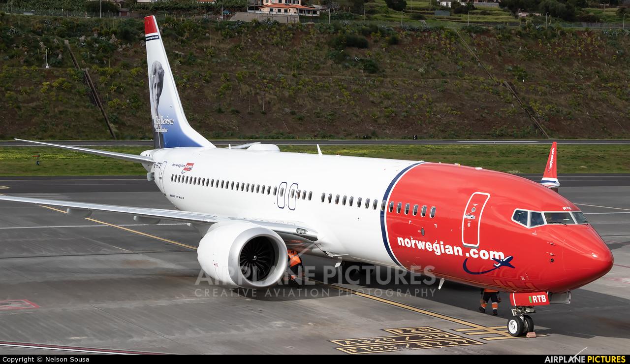 Norwegian Air Sweden SE-RTB aircraft at Madeira