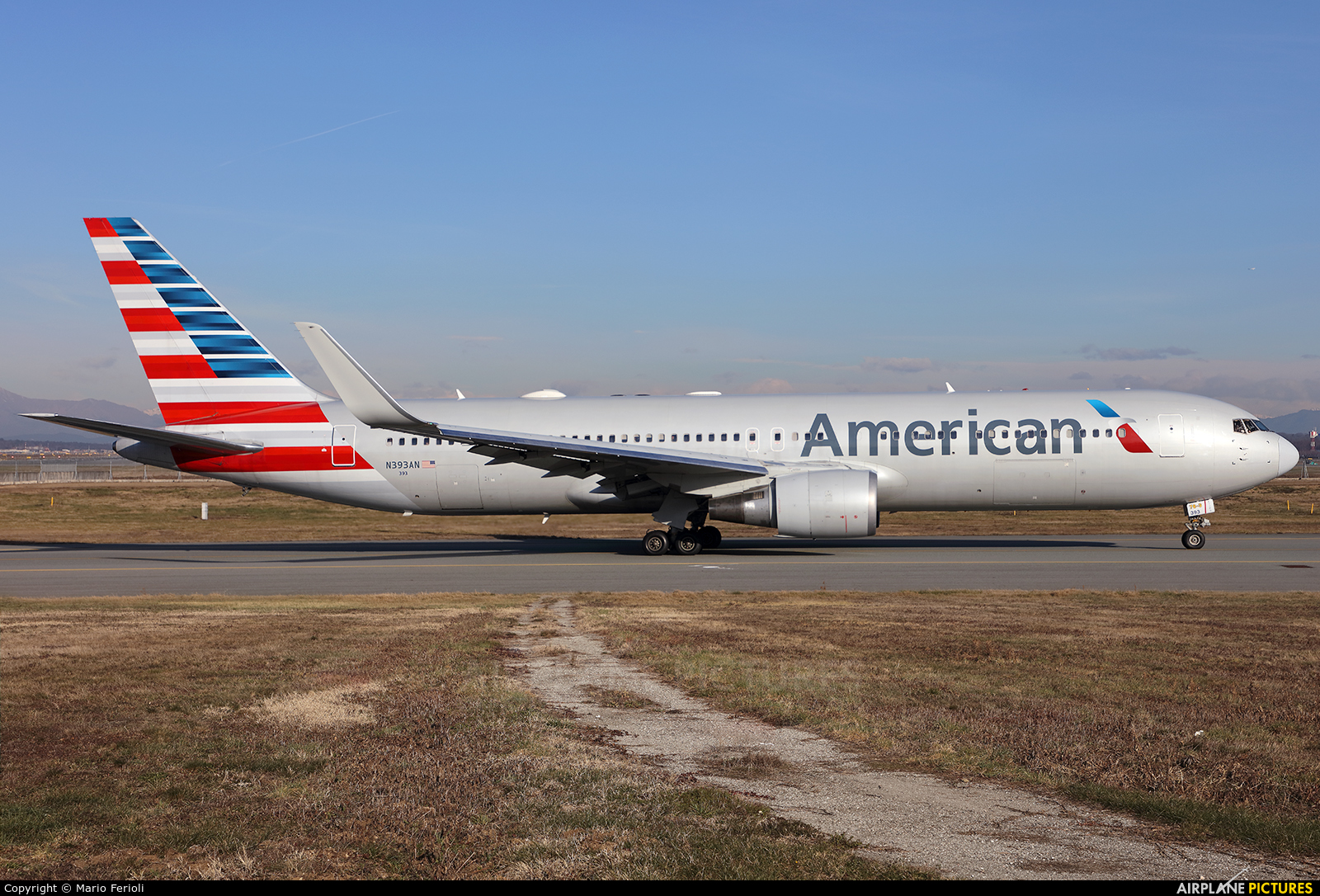 American Airlines N393AN aircraft at Milan - Malpensa