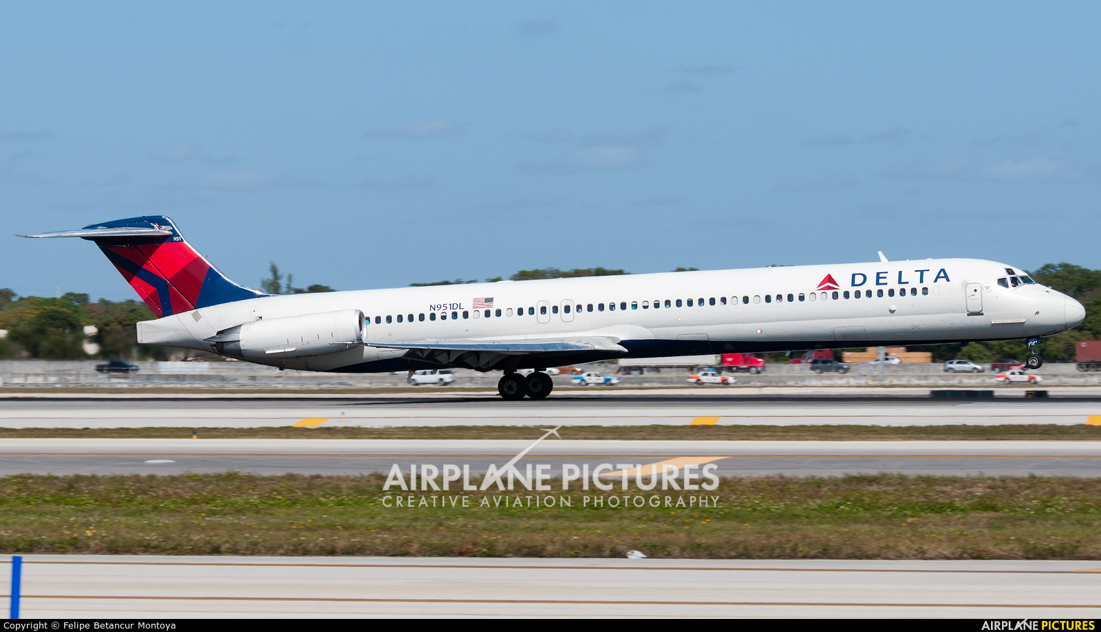 Delta Air Lines N951DL aircraft at Fort Lauderdale - Hollywood Intl