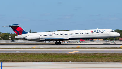 N951DL - Delta Air Lines McDonnell Douglas MD-88