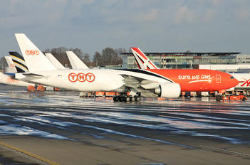 OO-TSC - TNT Boeing 777F