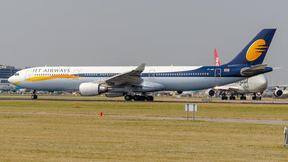 VT-JWS - Jet Airways Airbus A330-300