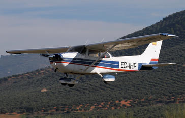 EC-IHF - Private Cessna 172 Skyhawk (all models except RG)