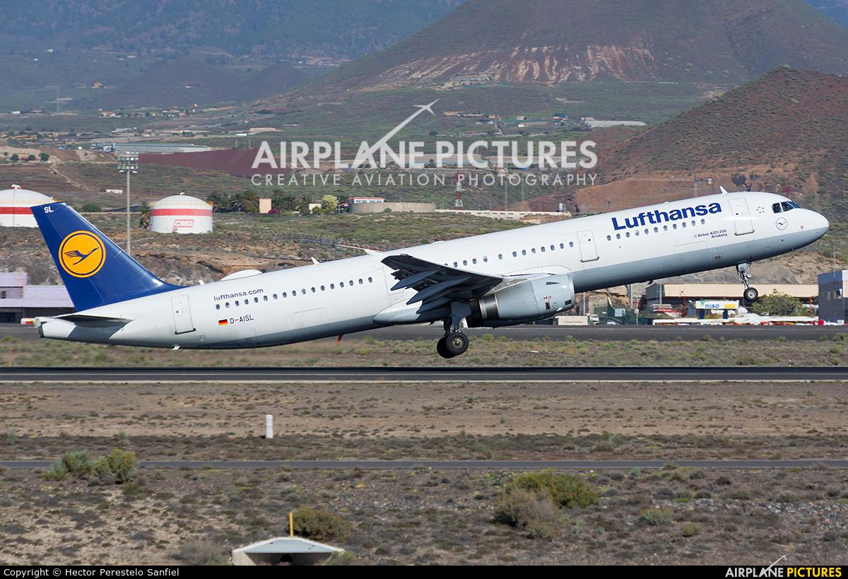 Lufthansa D-AISL aircraft at Tenerife Sur - Reina Sofia