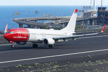 LN-NHE - Norwegian Air Shuttle Boeing 737-800