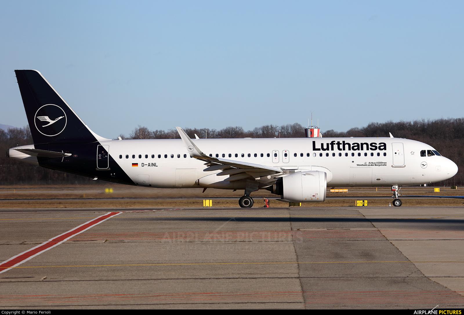 Lufthansa D-AINL aircraft at Milan - Malpensa