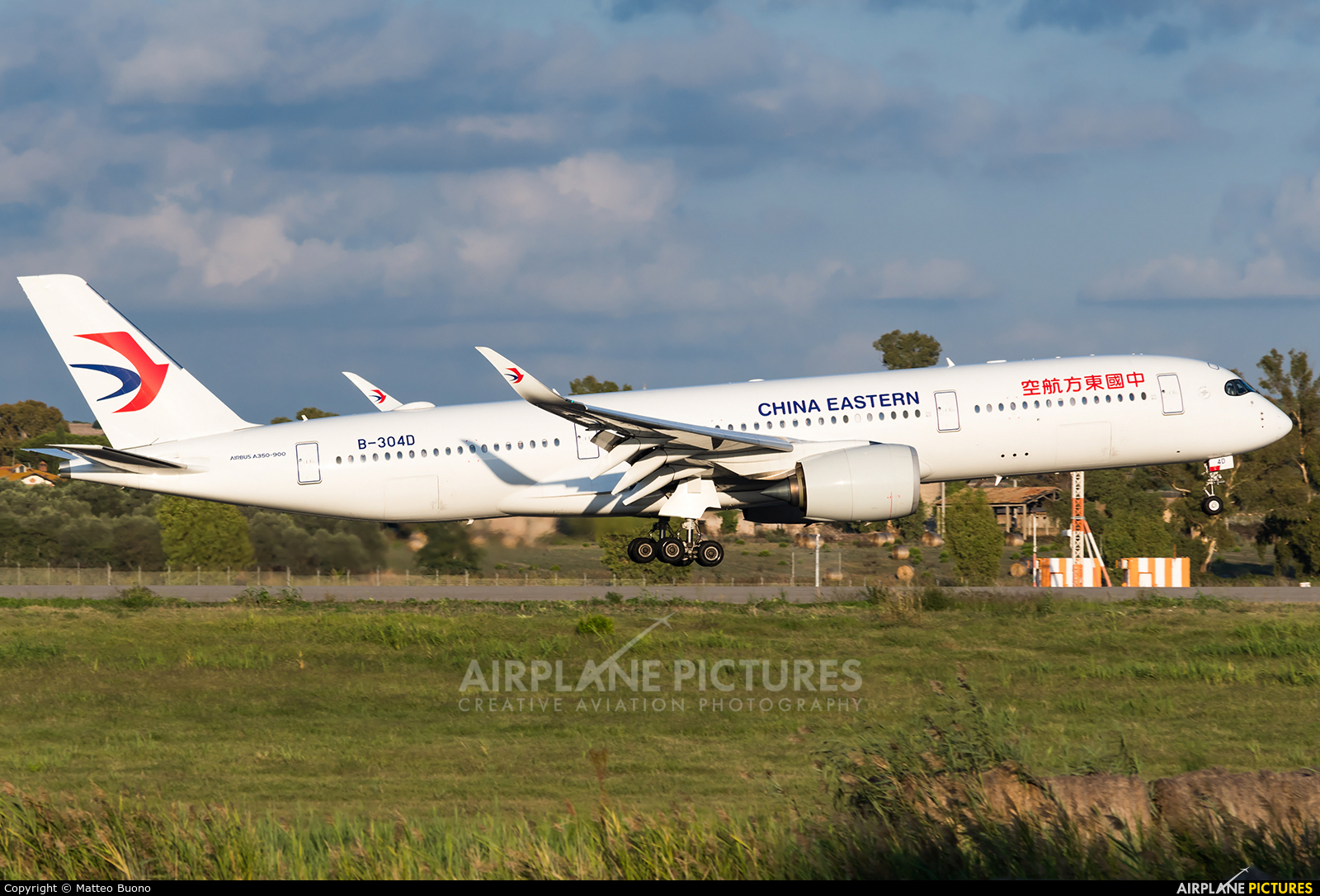 China Eastern Airlines B-304D aircraft at Rome - Fiumicino
