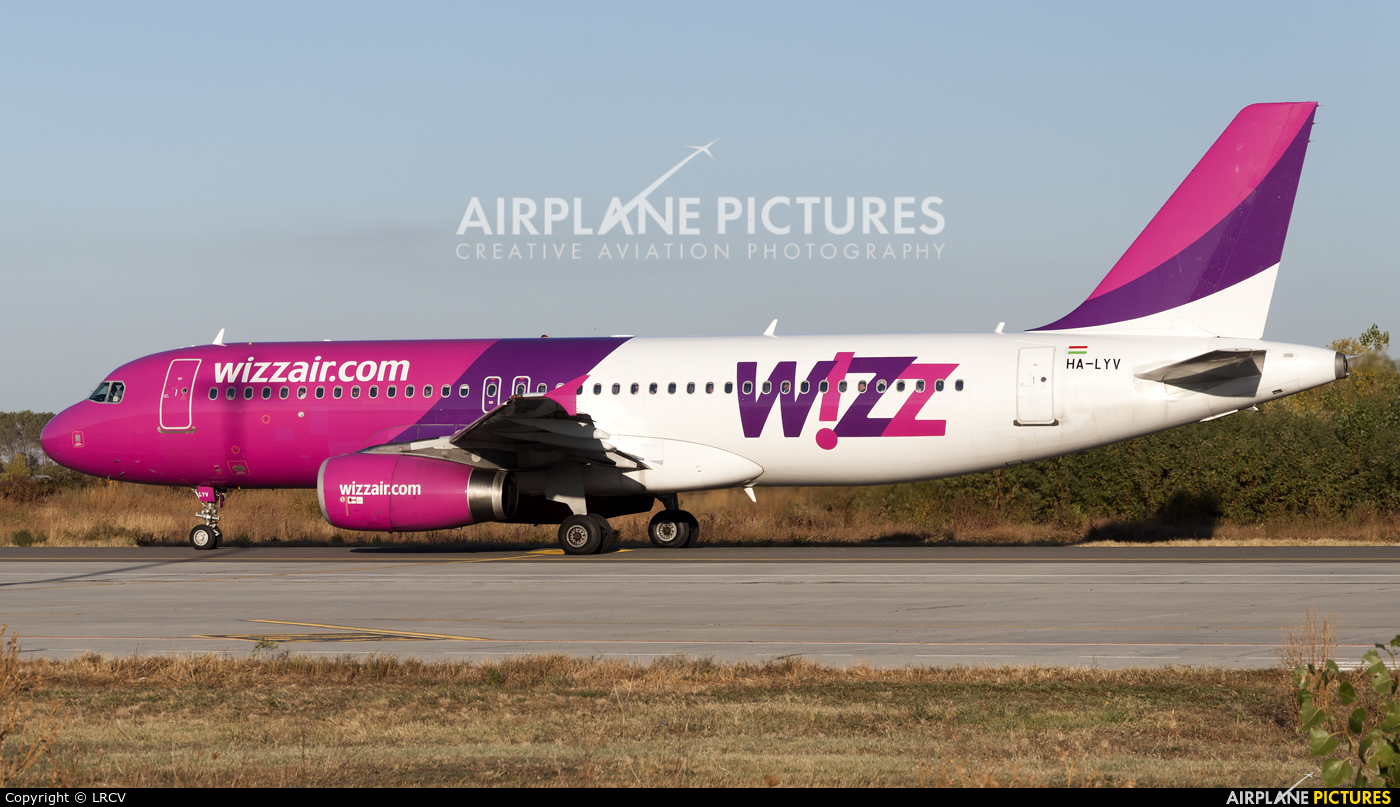 Wizz Air HA-LYV aircraft at Craiova
