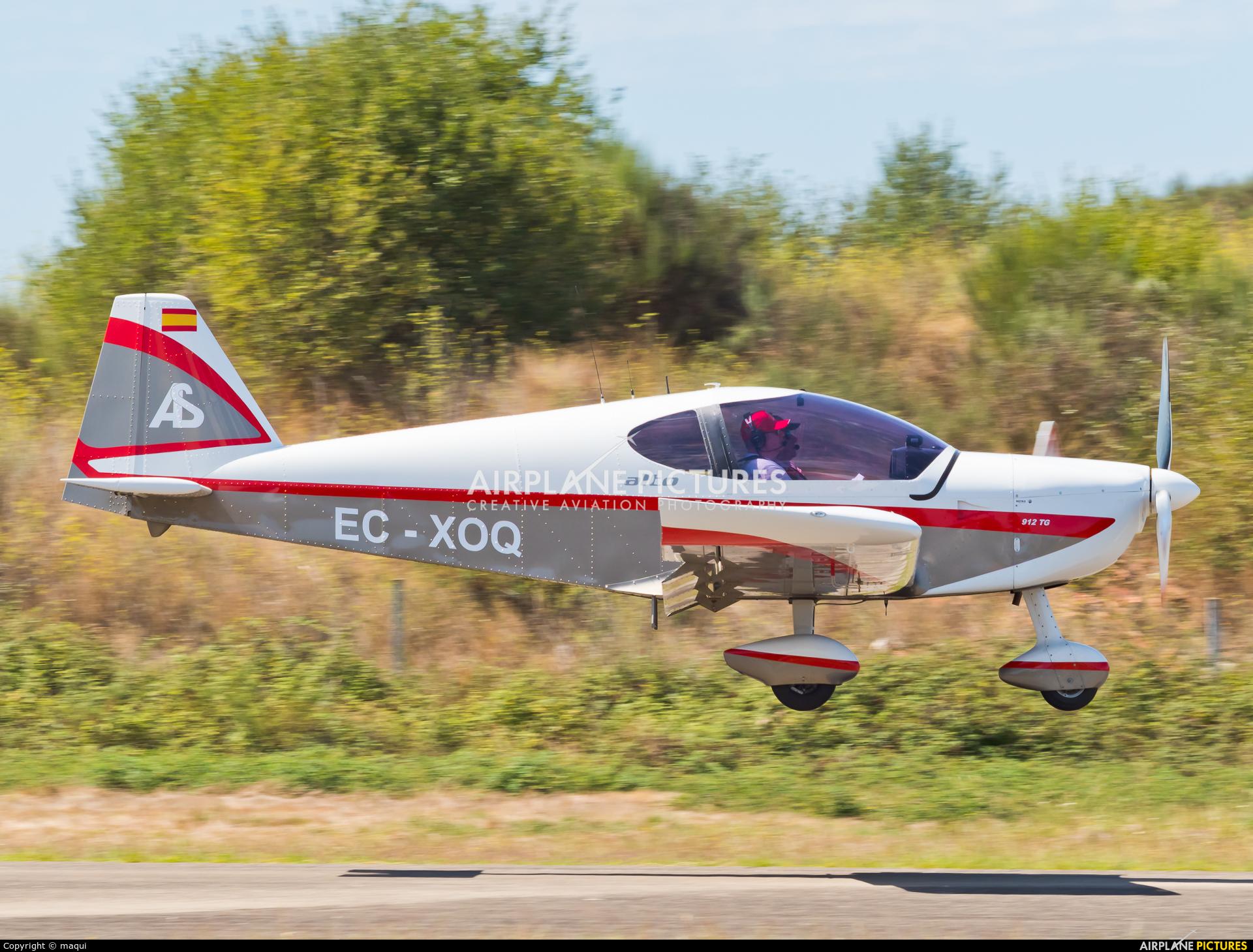 Private EC-XOQ aircraft at Chaves