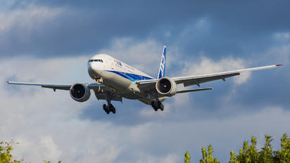 JA795A - ANA - All Nippon Airways Boeing 777-300ER